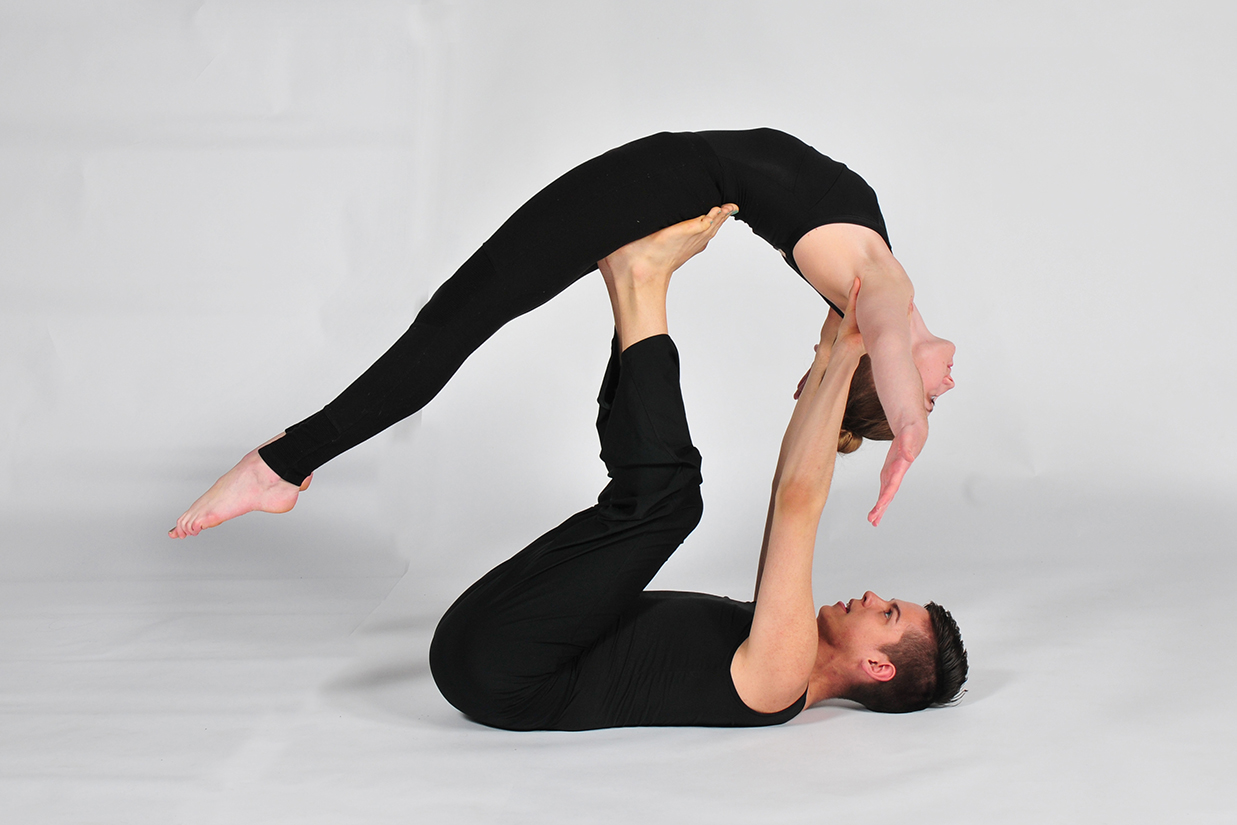 couple performing lift dance move